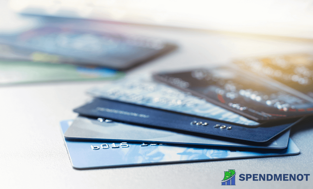 What's the Difference Between Debit And Credit Cards?